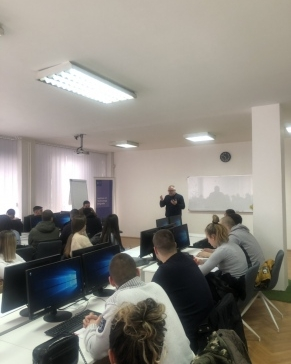 """Održana obuka za anketare na projektu """"Grad prijatelj starih"""""""